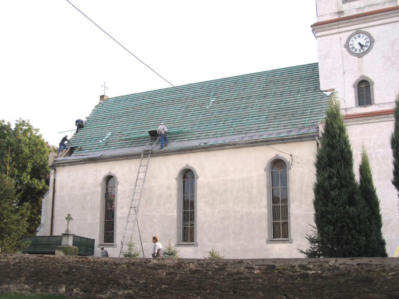 Remont dachu kościoła wPiersnie