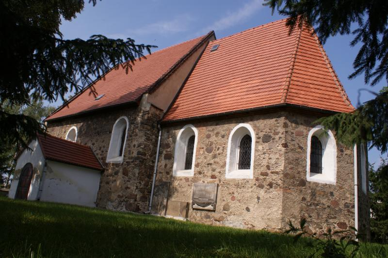 Przykościelny grobowiec zWilkowa Średzkiego