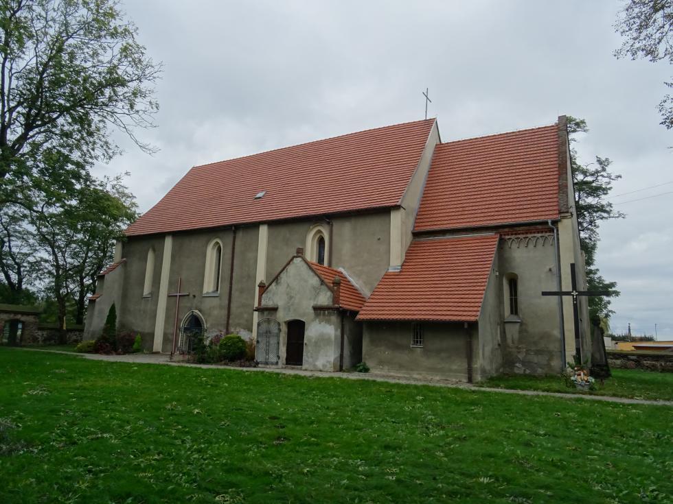 Remont dachu zabytkowego kościoła wŹródłach