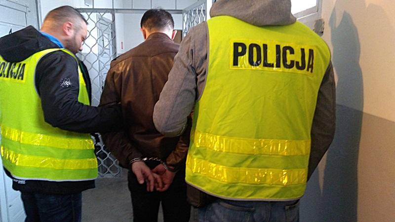 Sprawcy rozboju wrękach średzkich policjantów