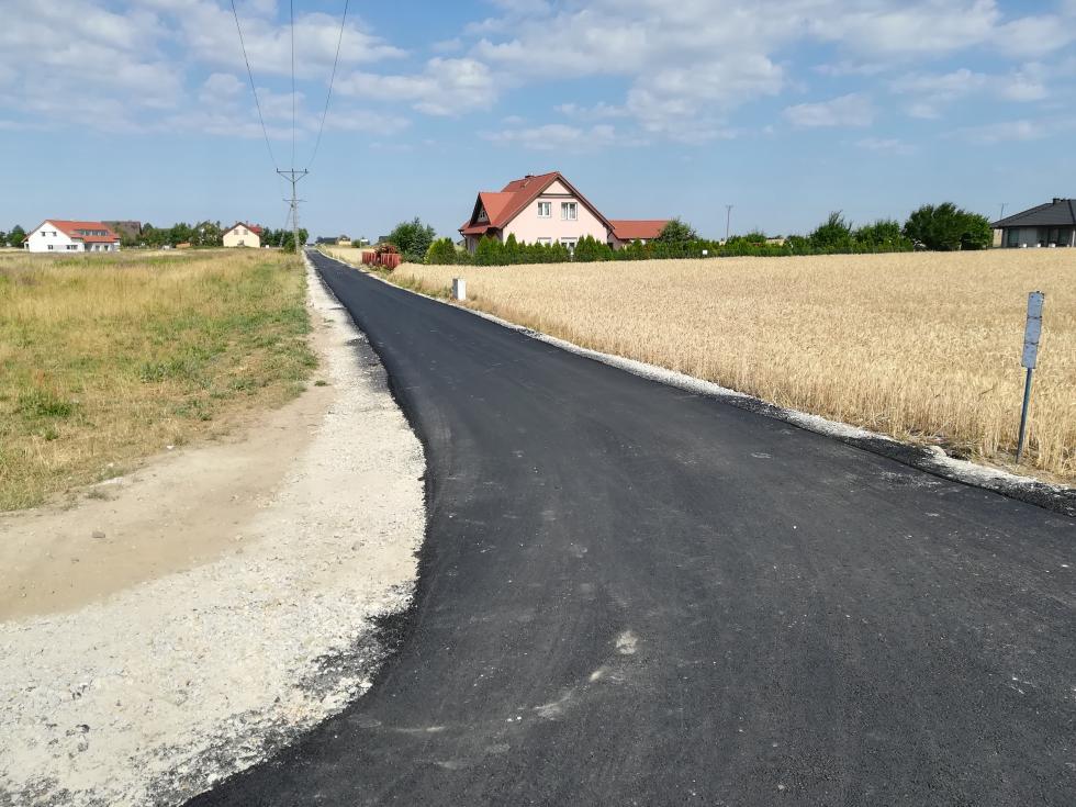 Przebudowa dróg gminnych wtoku