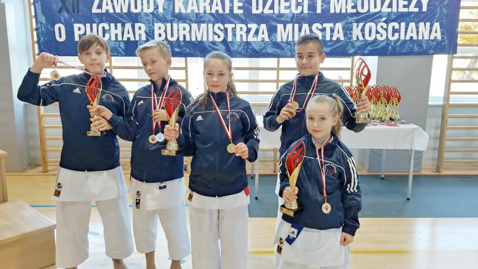 Kolejne medale karateków
