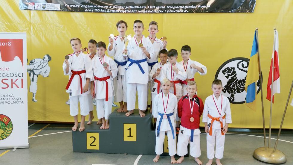 11 medali karateków wPrudniku