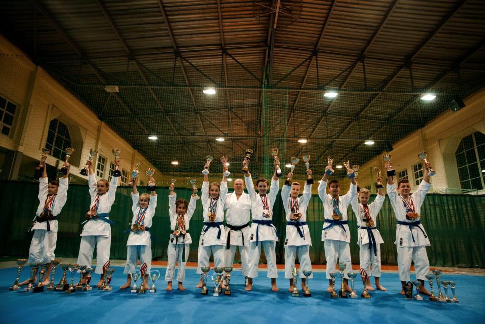 165 medali średzkich karateków w2018 roku