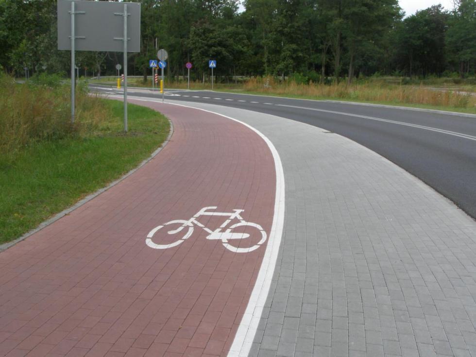 105 tys. zGminy dla Powiatu na budowę ścieżki rowerowej Kulin - Cesarzowice