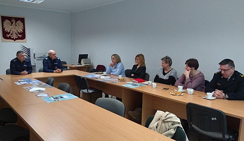 Forum dyskusyjne dotyczące bezpieczeństwa seniorów