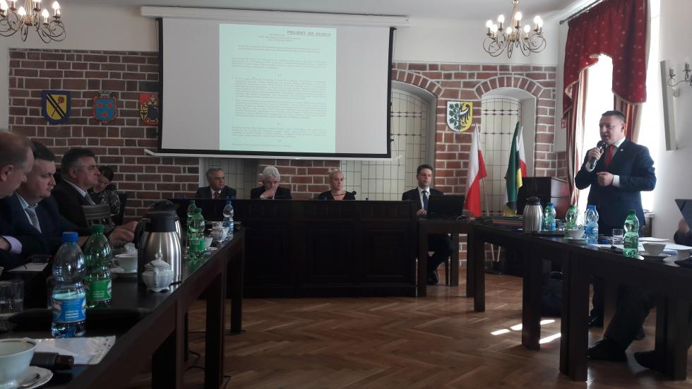 Decyzja Rady Miejskiej ws. pomocy finansowej dla Powiatu na odkup szpitala powiatowego