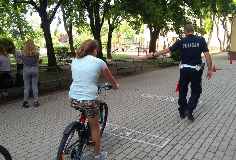 Średzcy policjanci egzaminowali przyszłych rowerzystów