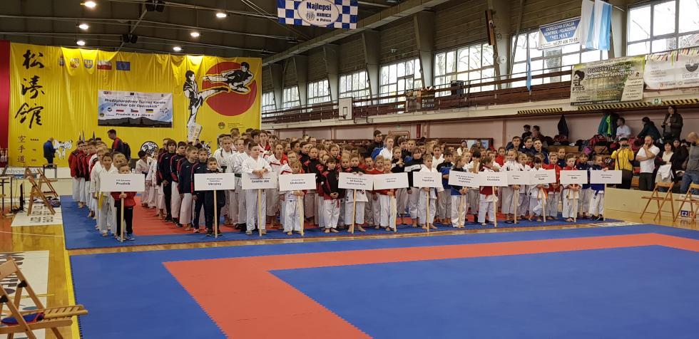 9  medali karateków wPrudniku