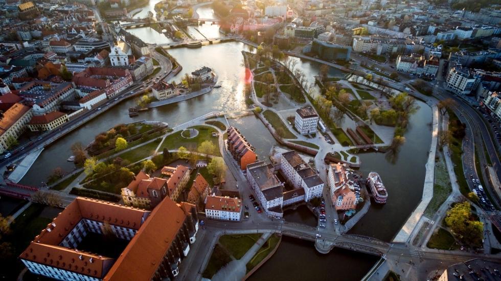 Nowe usługi wcentrum Wrocławia. Jak wpłyną na okolicę?