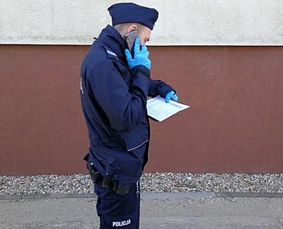 Średzcy policjanci każdego dnia sprawdzają, czy średzianie stosują się dozaleceń idecyzji służb sanitarnych