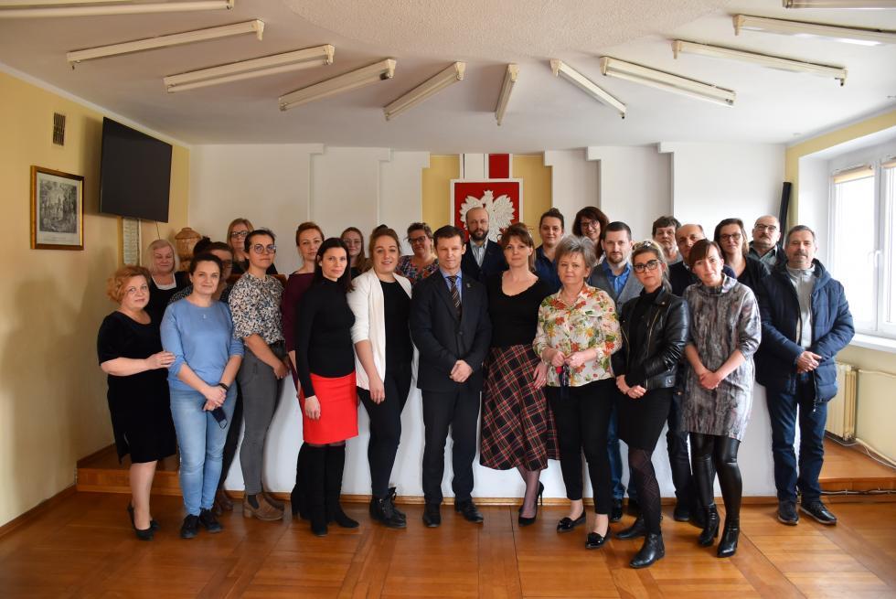 Wójt gminy Malczyce Piotr Frankowski podziękował pracownikom urzędu