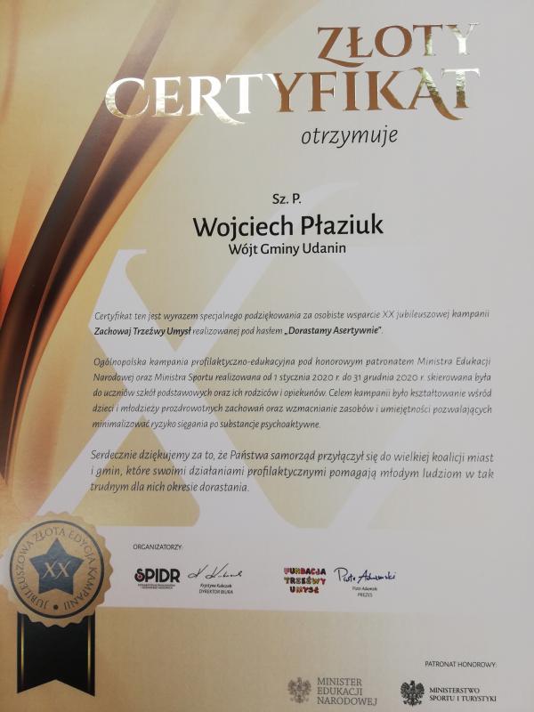 Gmina Udanin iwójt gminy Wojciech Płaziuk otrzymali złoty certyfikat